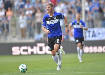 Fabian Klos am Ball